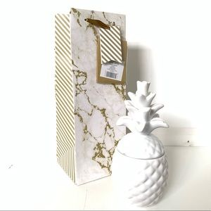 Other - ★ ADORABLE GOLD GLITTER MARBLE FEEL WINE GIFT BAG